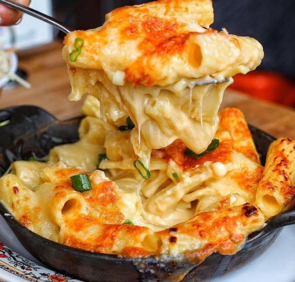 Μακαρονάδα Alfredo με κοτόπουλο και μπόλικο τυρί !!!